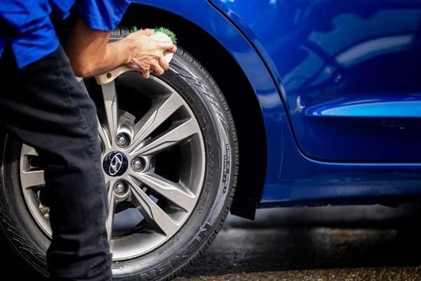 Santa Rosa Pro Wash full service car wash and car cleaning