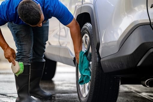 Santa Rosa Pro Wash offers detail car wash and inside car cleaning.